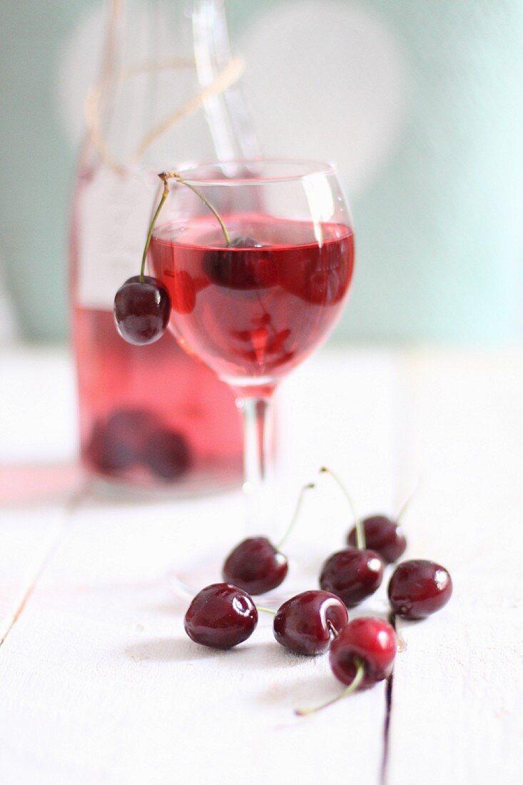 Cherry lemonade and fresh cherries