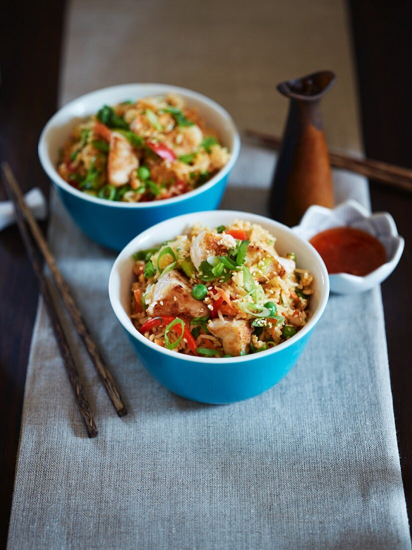 Fried rice with chicken (Asia)