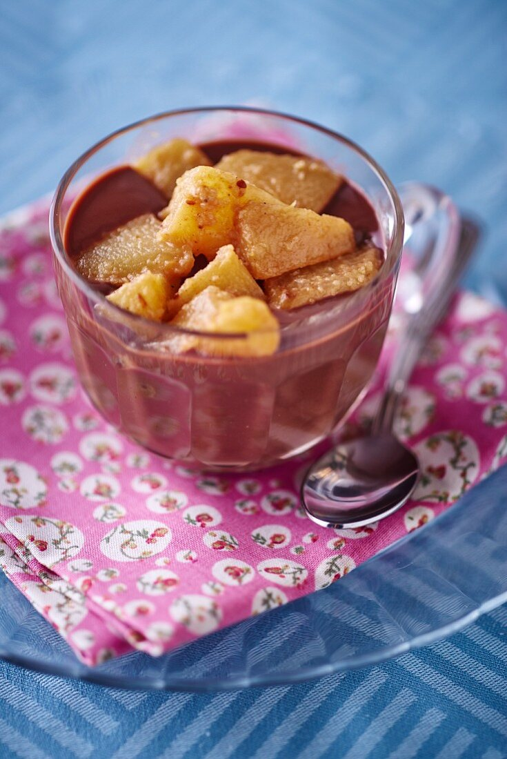 Mousse au chocolat with pears
