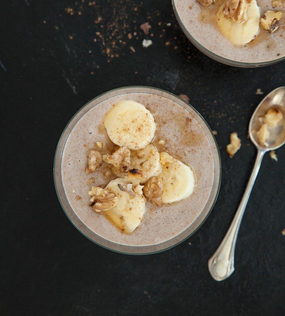 Vegan date pudding with bananas and cinnamon