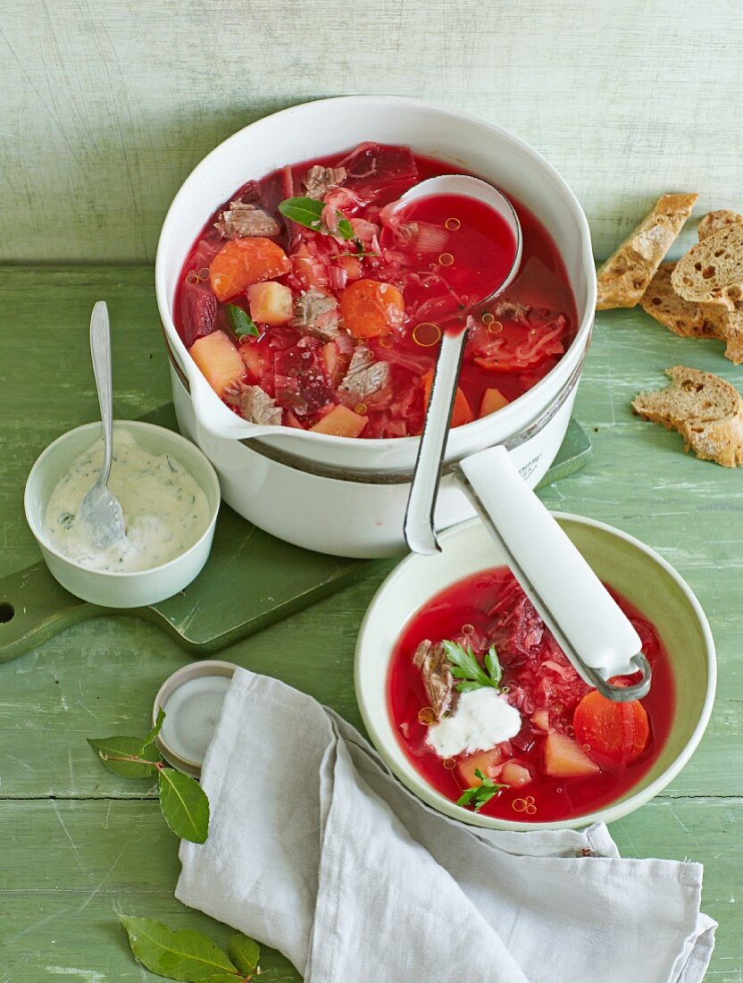 Beetroot stew with prime boiled beef and a horseradish dip