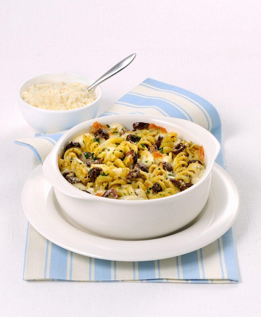 Pasticcio with fusilli and olives