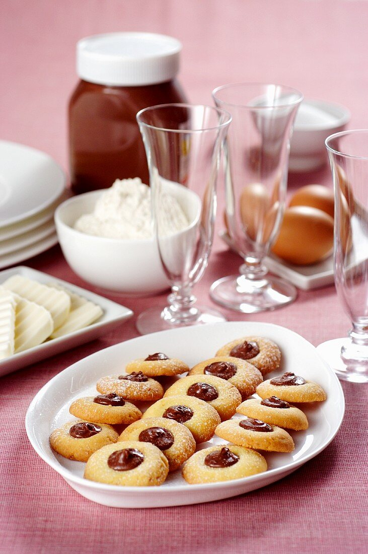 Biscuits with hazelnut cocoa spread