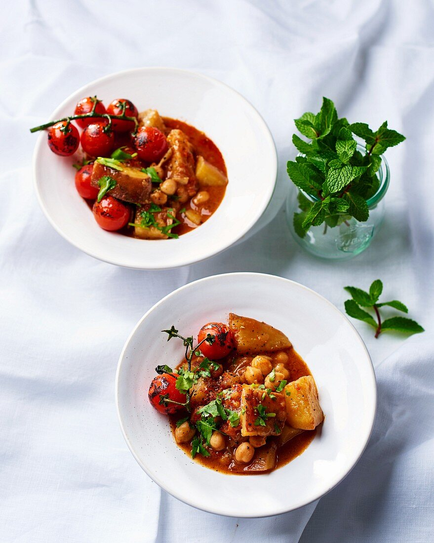 Sweet potato curry with chickpeas and tomatoes