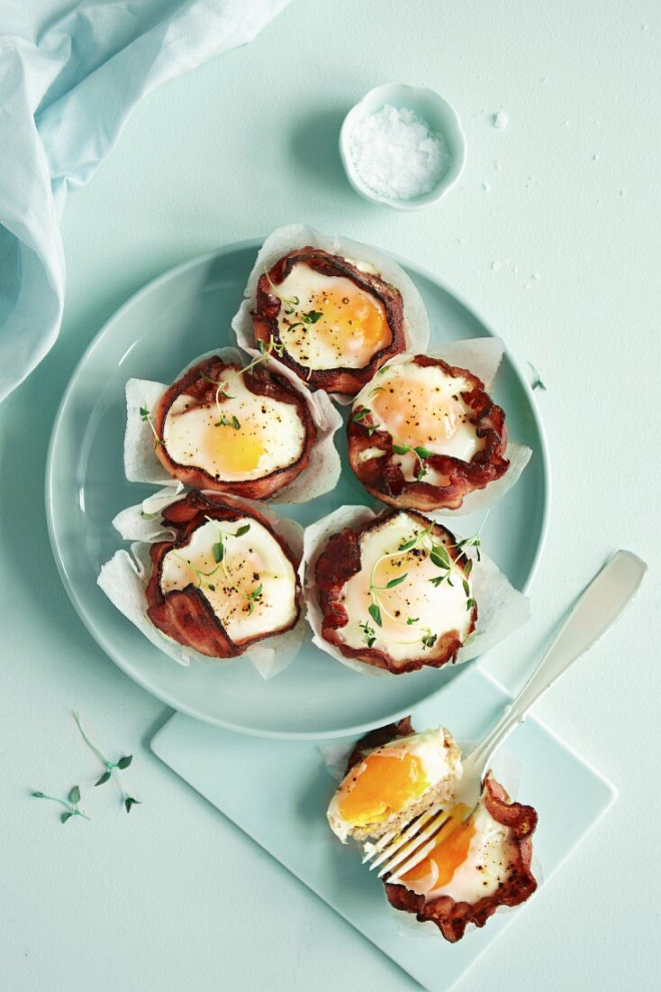 Muffins with bacon and eggs
