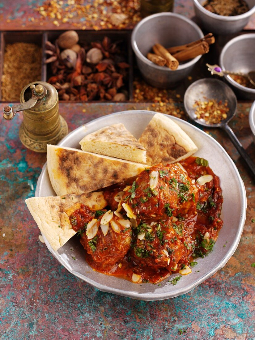 Spicy meatballs with unleavened bread (North Africa)