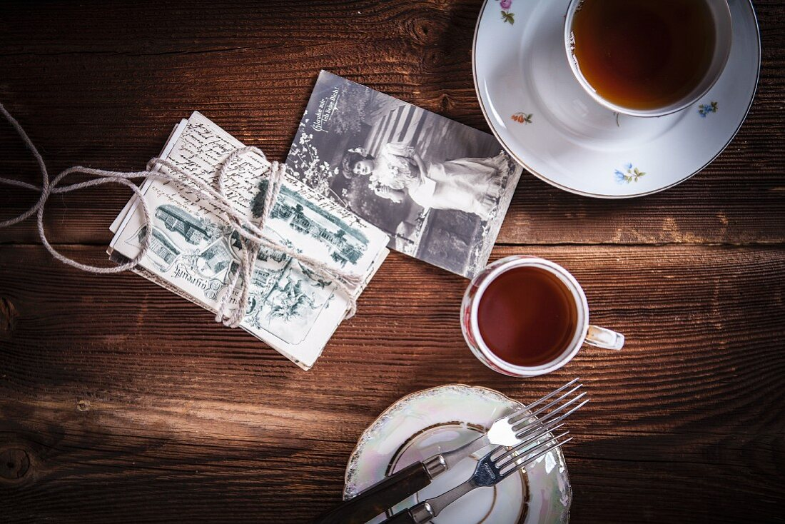 Tea cups and nostalgic postcards
