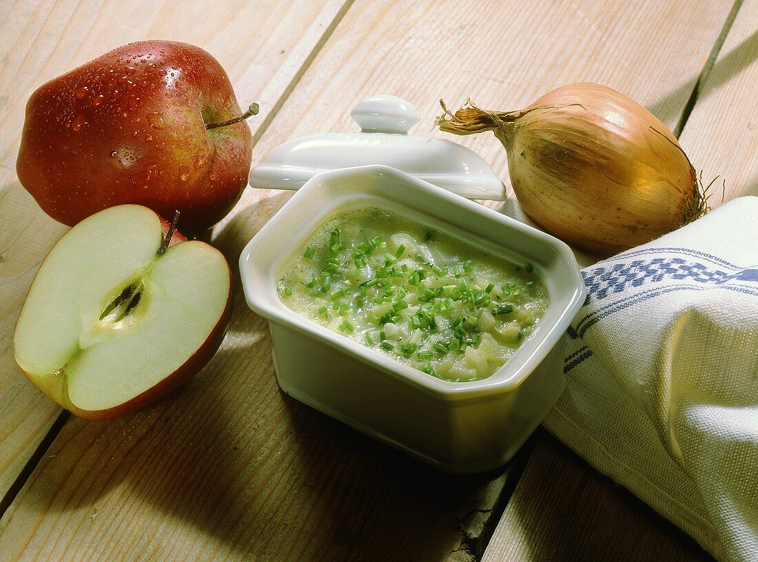 Apple Onion Lard with Chives