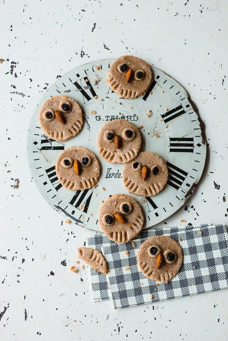 Vegan owl-shaped orange and cashew biscuits