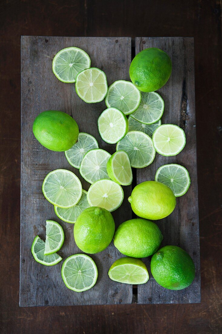 Limes, whole and sliced