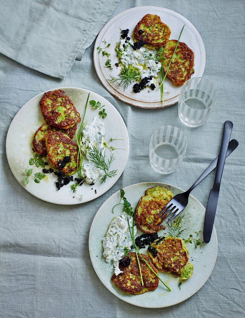 Courgette blinis with creamy herb dip and caviar (low carb)
