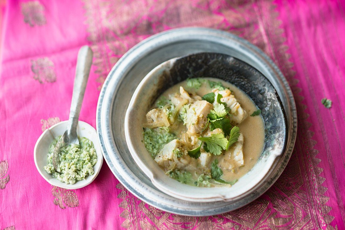 Fish curry with tamarind and coriander (India)