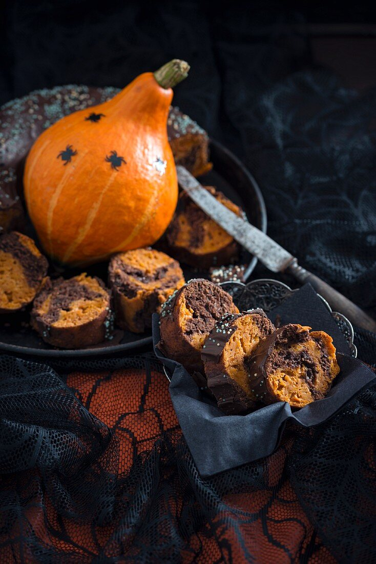 Vegan Hokkaido pumpkin and chcocolate cake for Halloween
