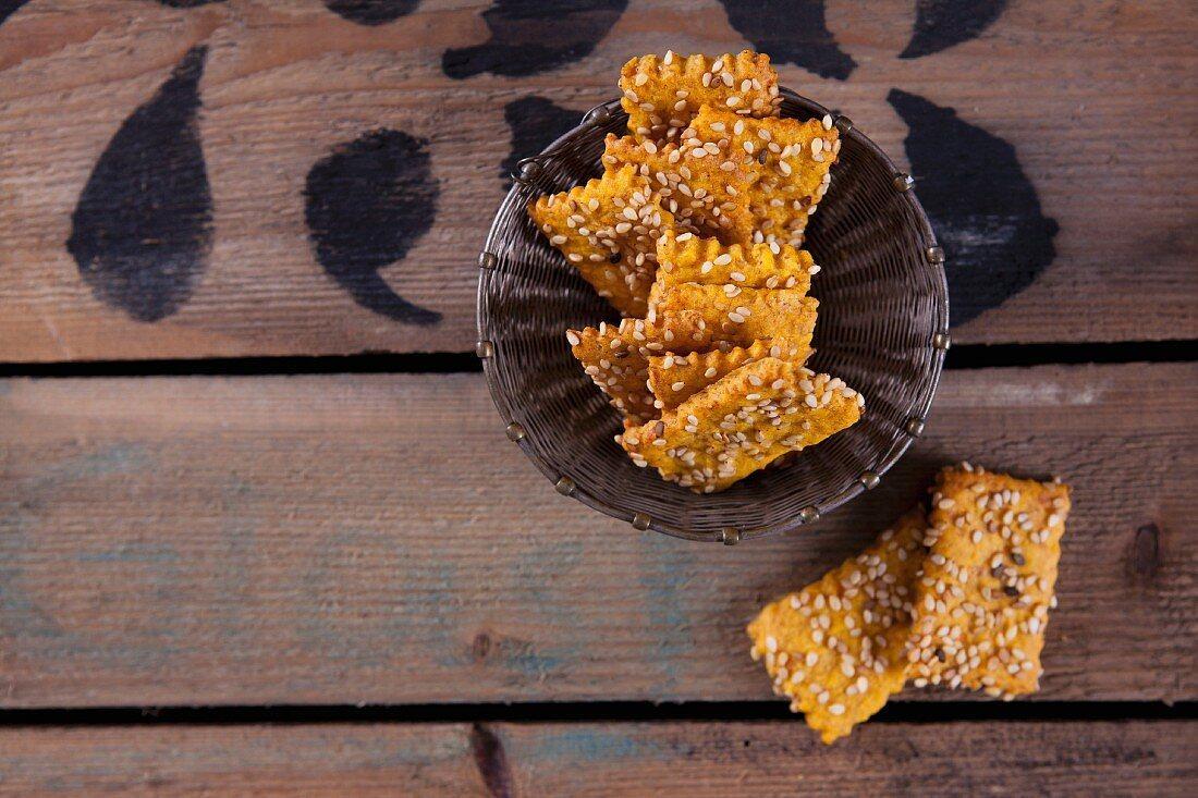 Sweet potato crackers with sesame seeds