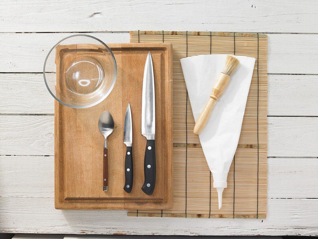 Kitchen utensils for making maki sushi