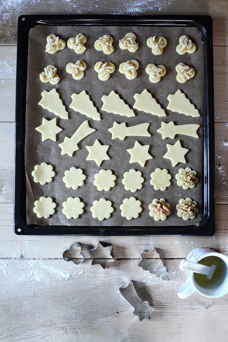 Butter biscuits with walnuts and almond nibs (unbaked)