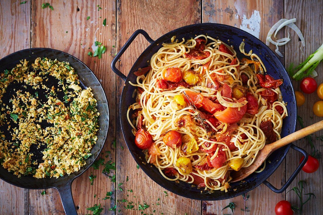 Vegan pasta with a baked tomato sugo (soya-free)