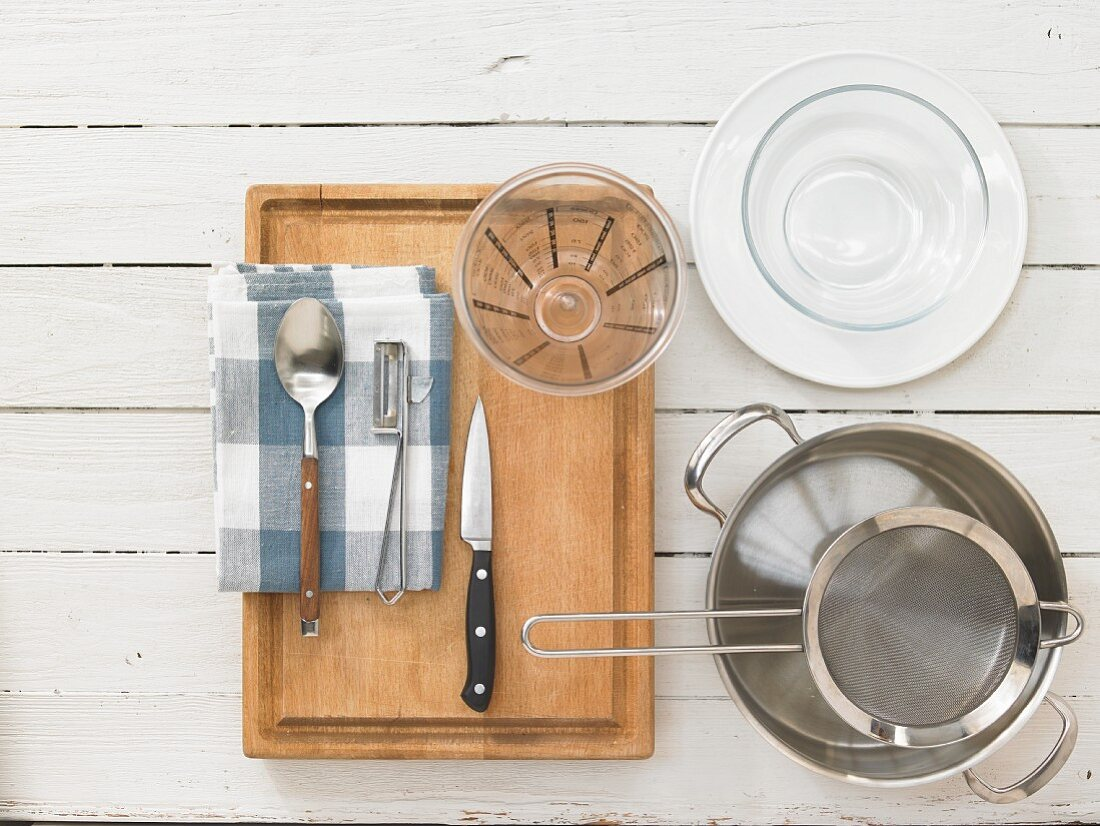 Kitchen utensils for making compote