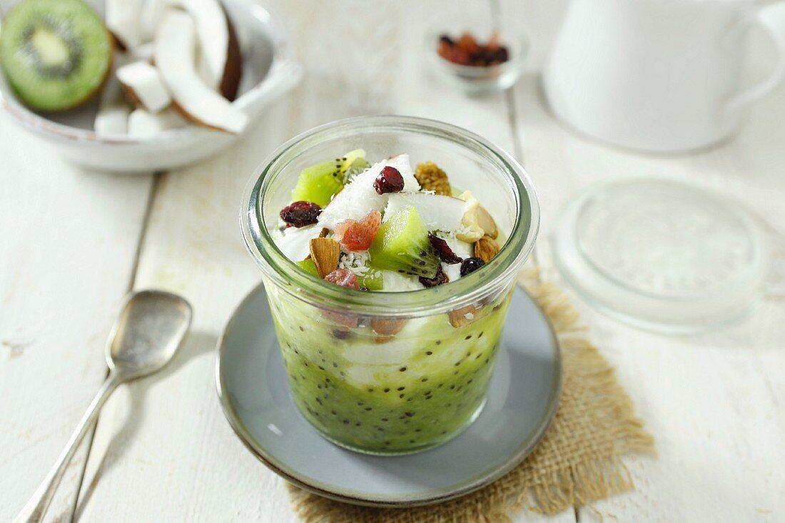 Kiwi puree with coconut and almonds