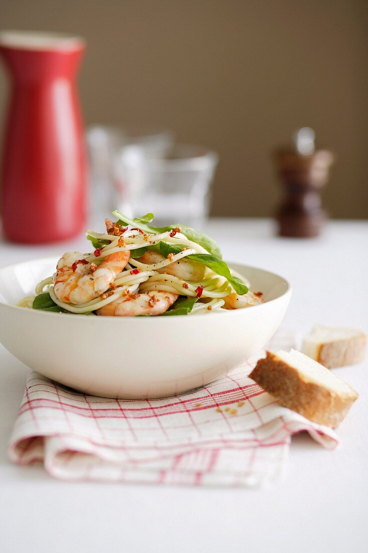 Spaghettini with Prawns, Rocket and Chill