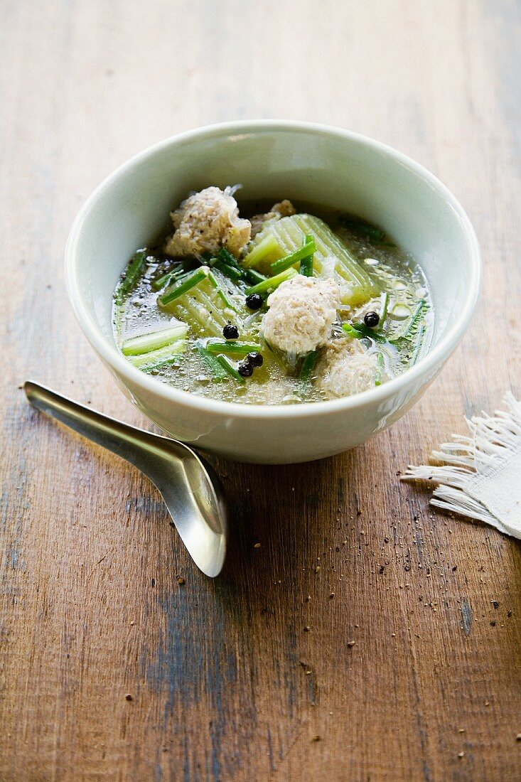 Soup with stuffed cucumber and celery (Thailand)