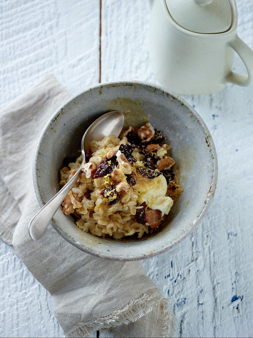 Porridge with cherries and walnuts