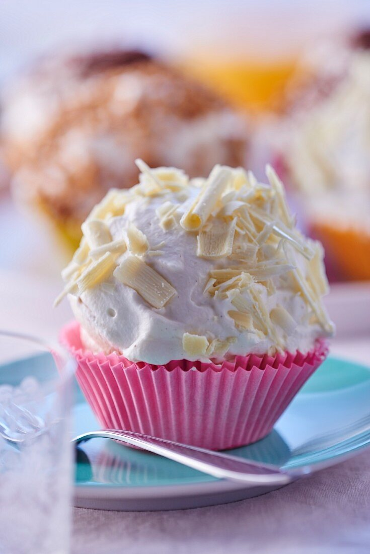 Merveilleux (French meringue with cream)