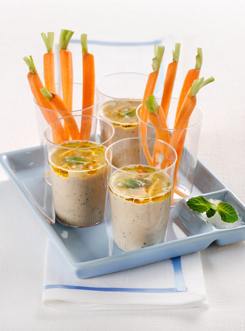 Sardine dips with carrots