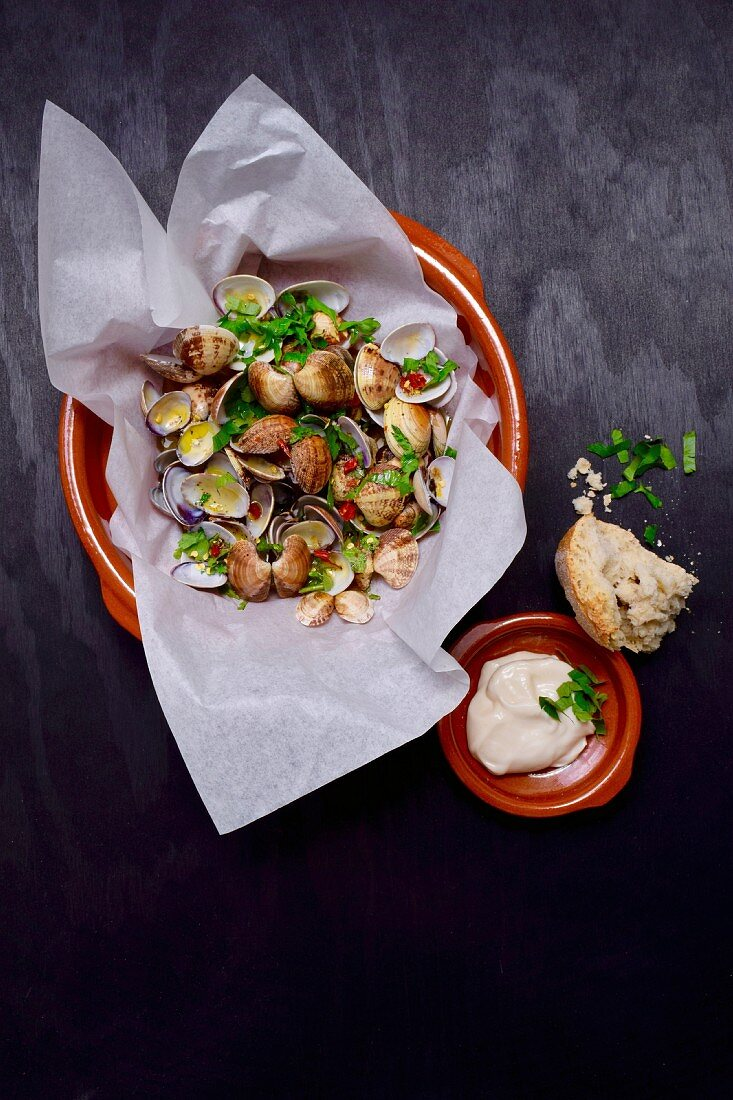 Clams with herbs
