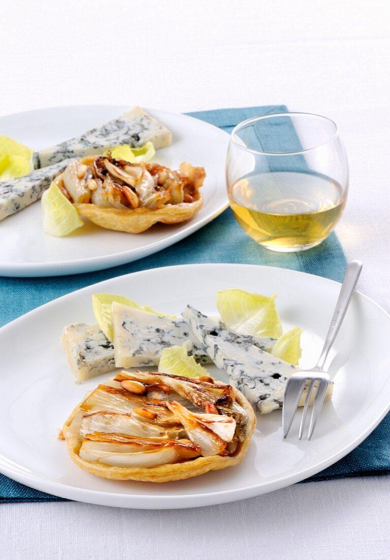 Mini Tarte Tatin mit Chicoree und Gorgonzola