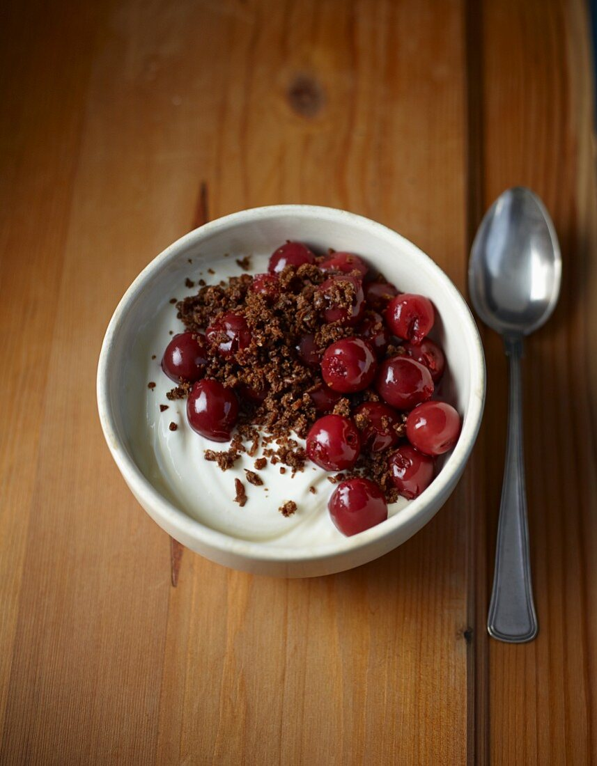 Westphalian quark dessert with cherries & pumpernickel
