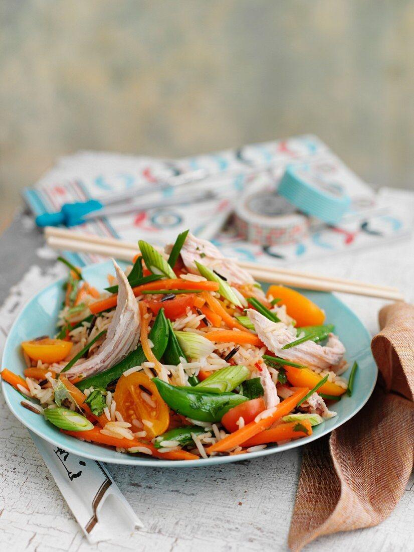 Wildreissalat mit Hähnchen und Gemüse (Asien)