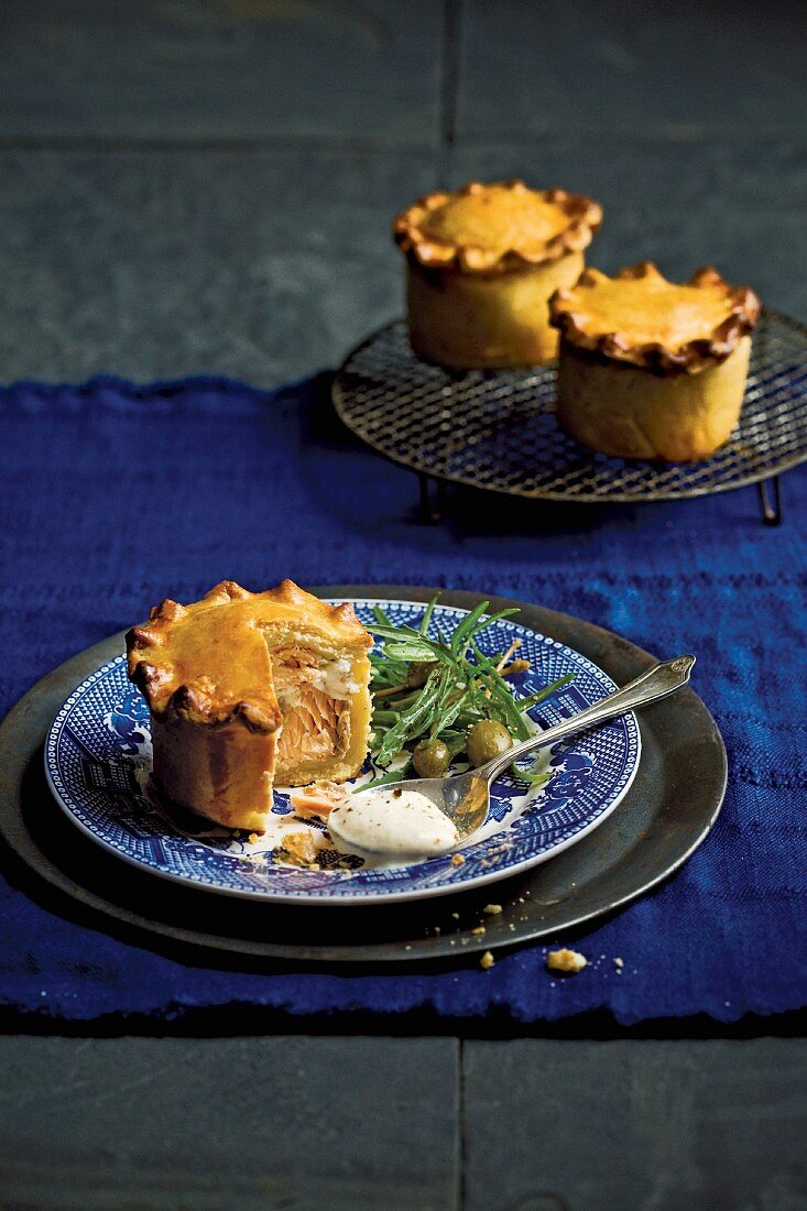 Mini pies with salmon, ricotta and capers