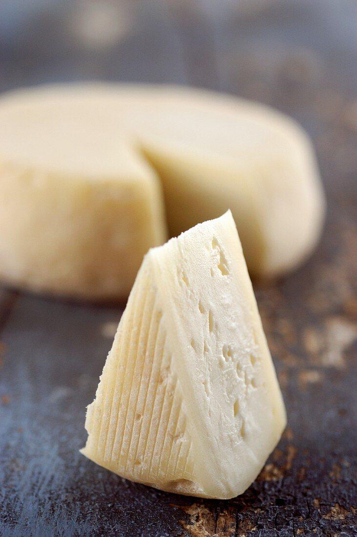 Murazzano (cream cheese made from sheep's milk, Italy)