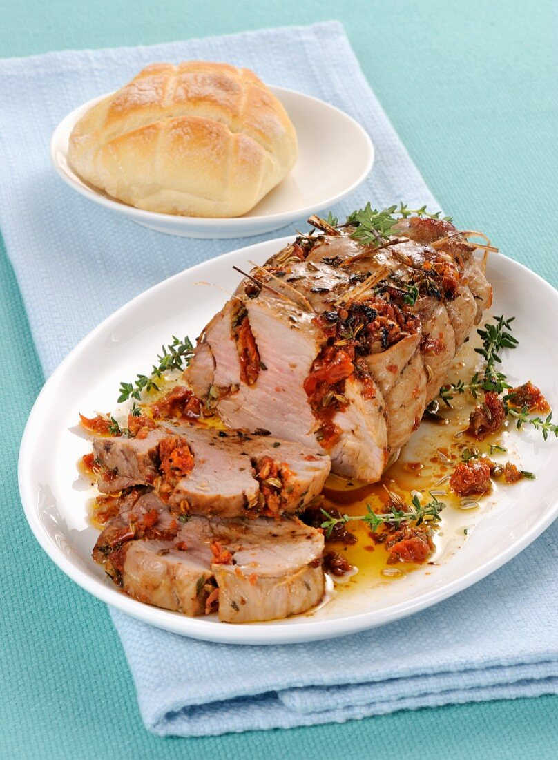 Pork fillet with dried tomatoes and thyme