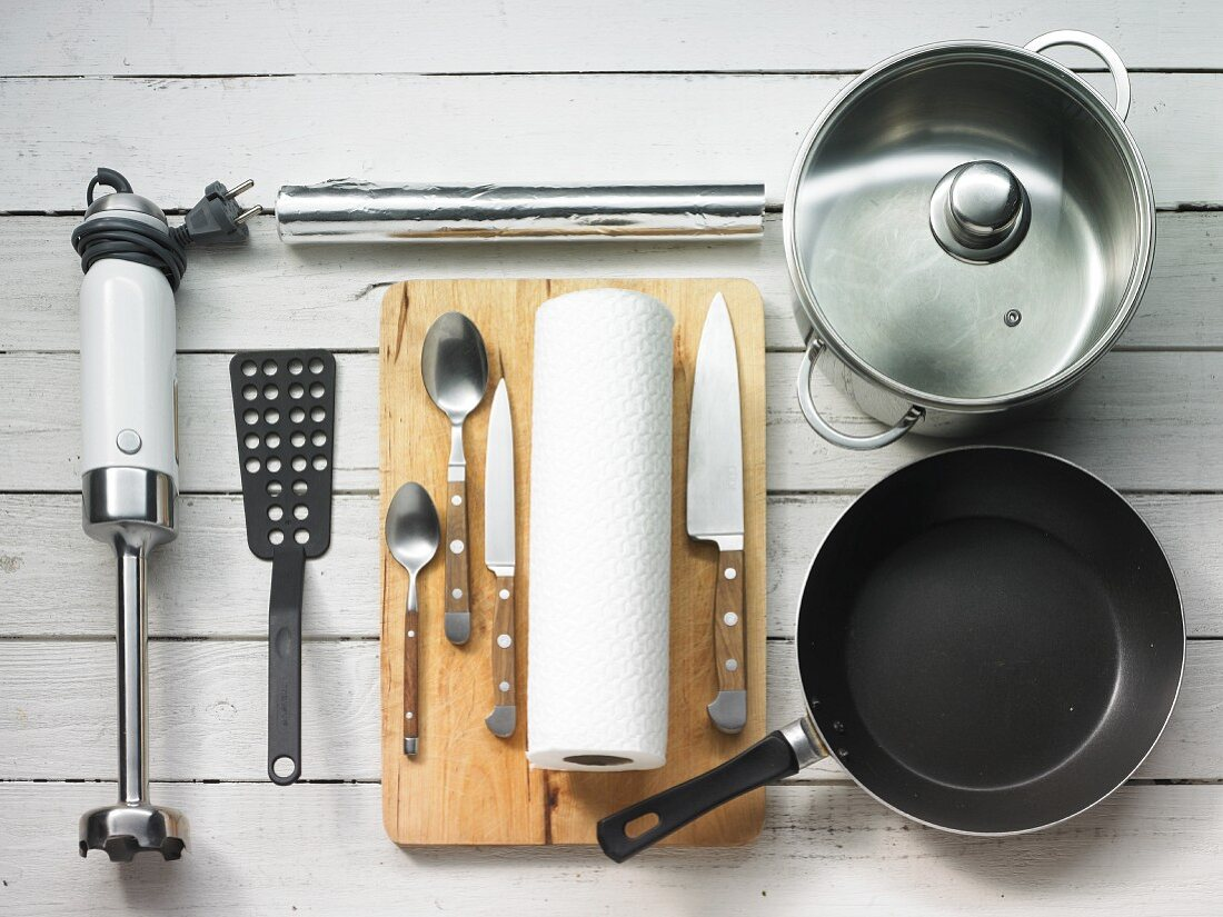 Kitchen utensils for meat dishes