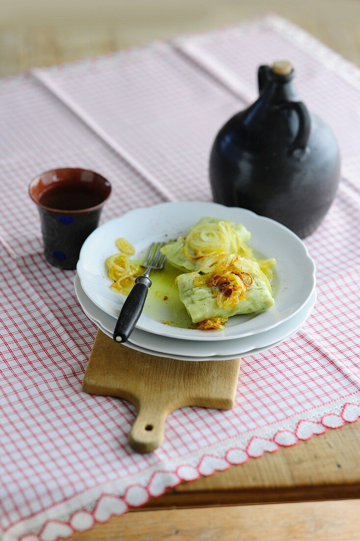 Maultaschen (Swabian ravioli) with onions