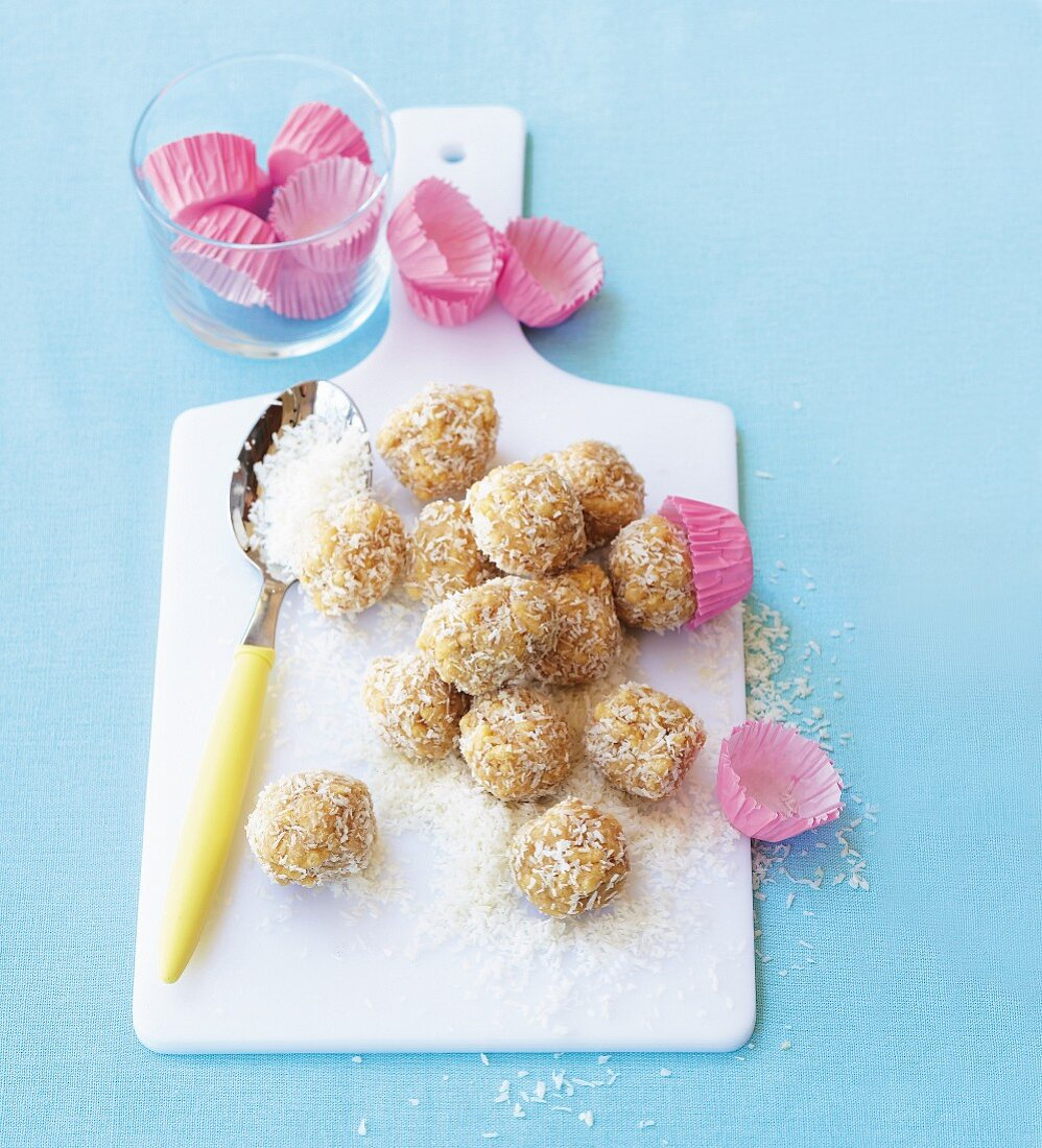 Peanut butter bites with coconut