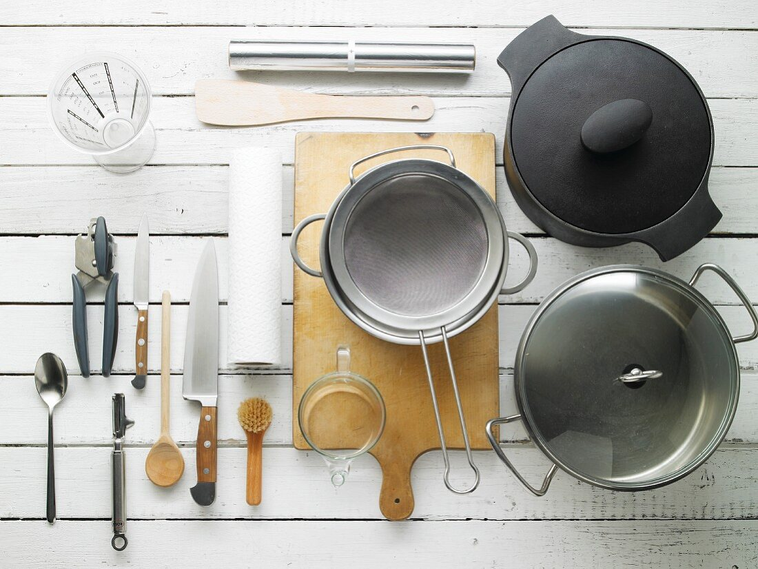 Kitchen utensils for preparing roast lamb