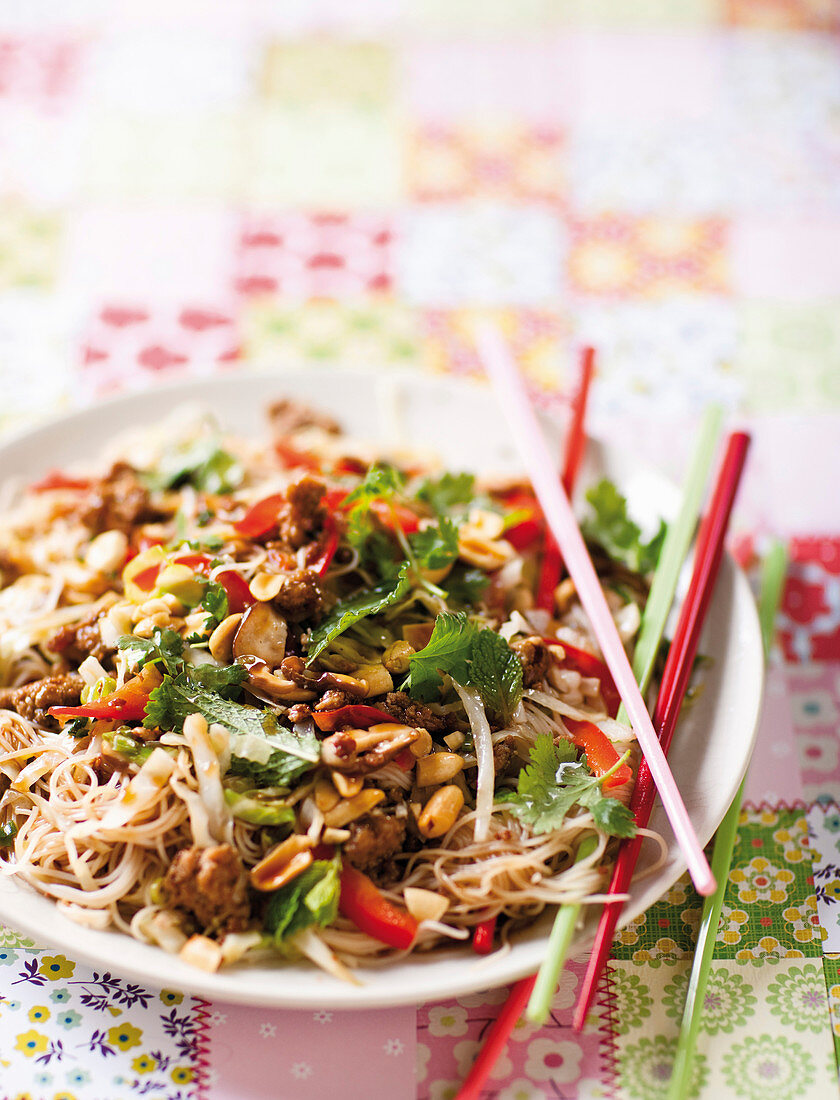 Glass noodles with spicy pork and peanuts