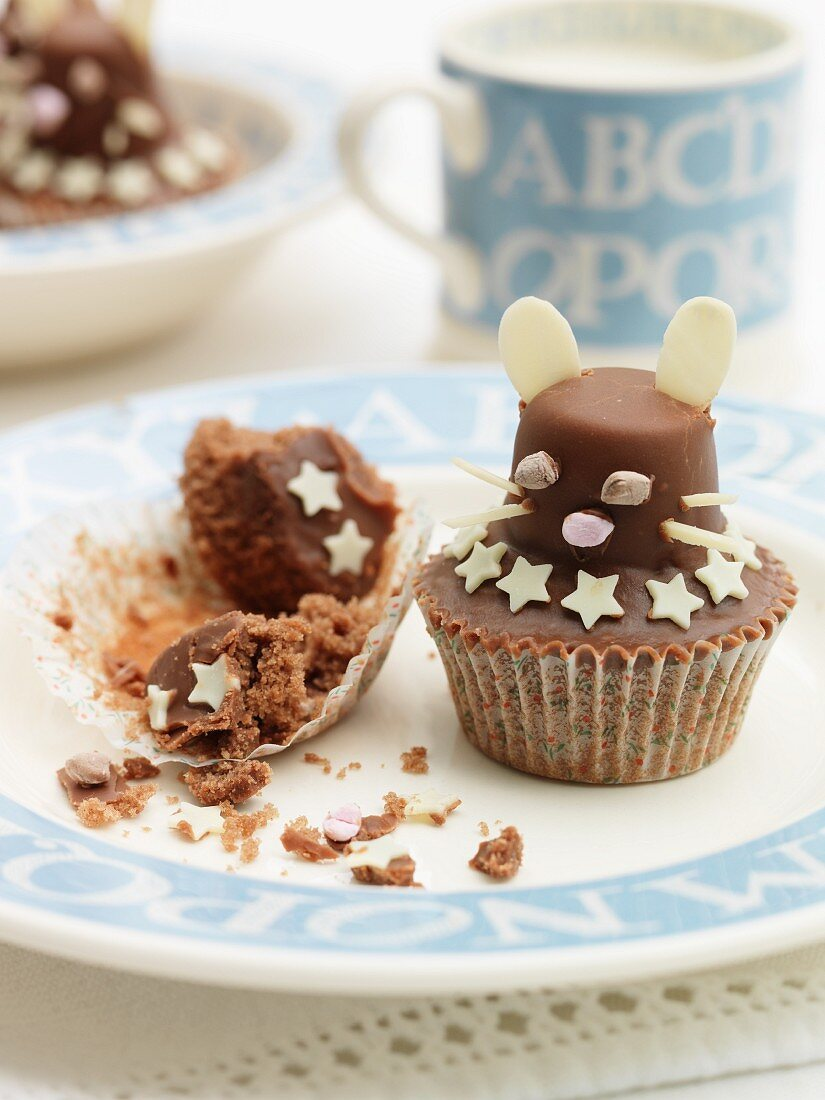 Chocolate mouse cupcakes