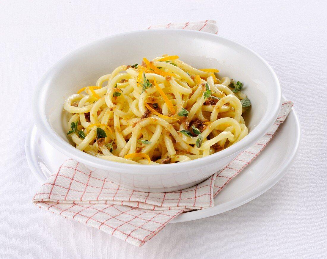 Troccoli con acciughe e arancia (Italian paata with anchovies and orange)
