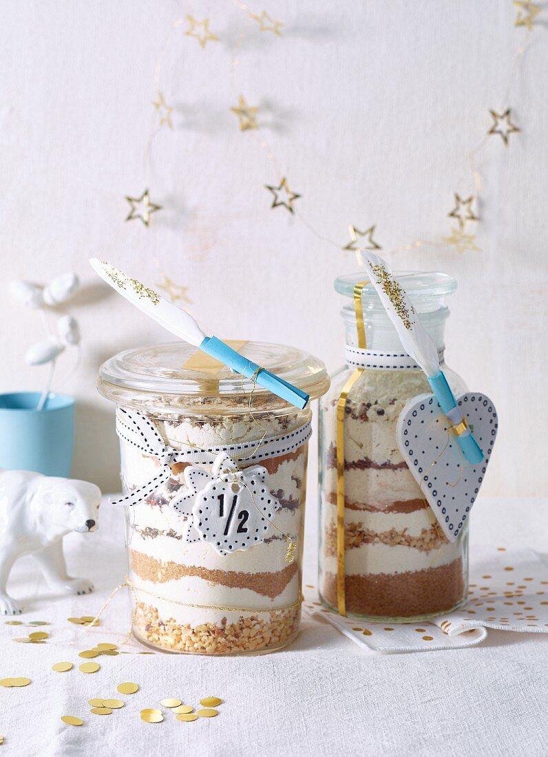 Biscuit baking mixtures in jars as gifts