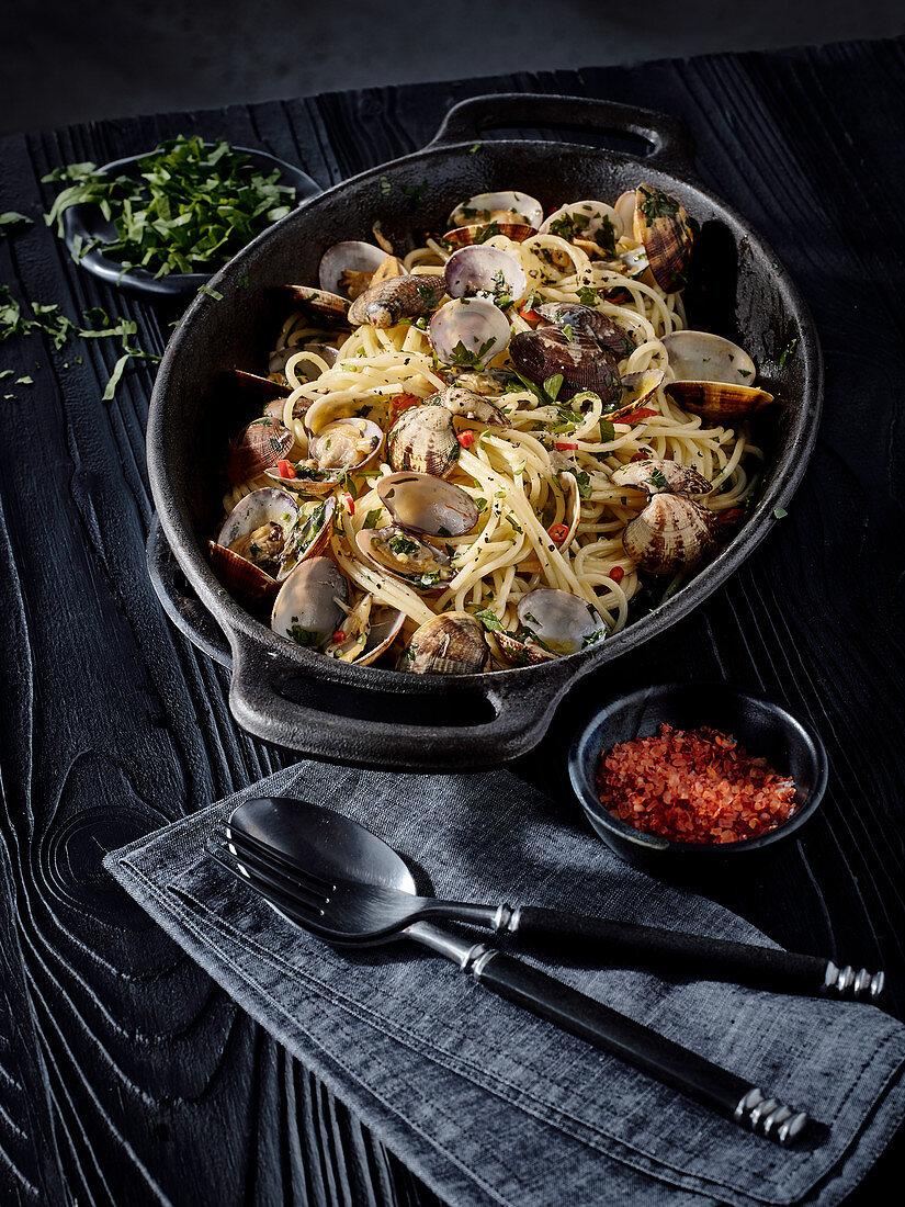 Spaghetti alle vongole (Italy)