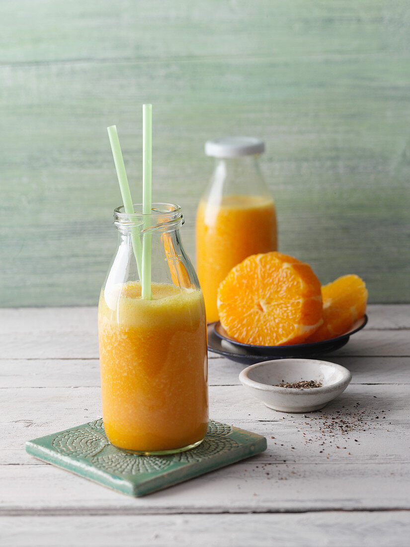 Carrot and turmeric smoothie