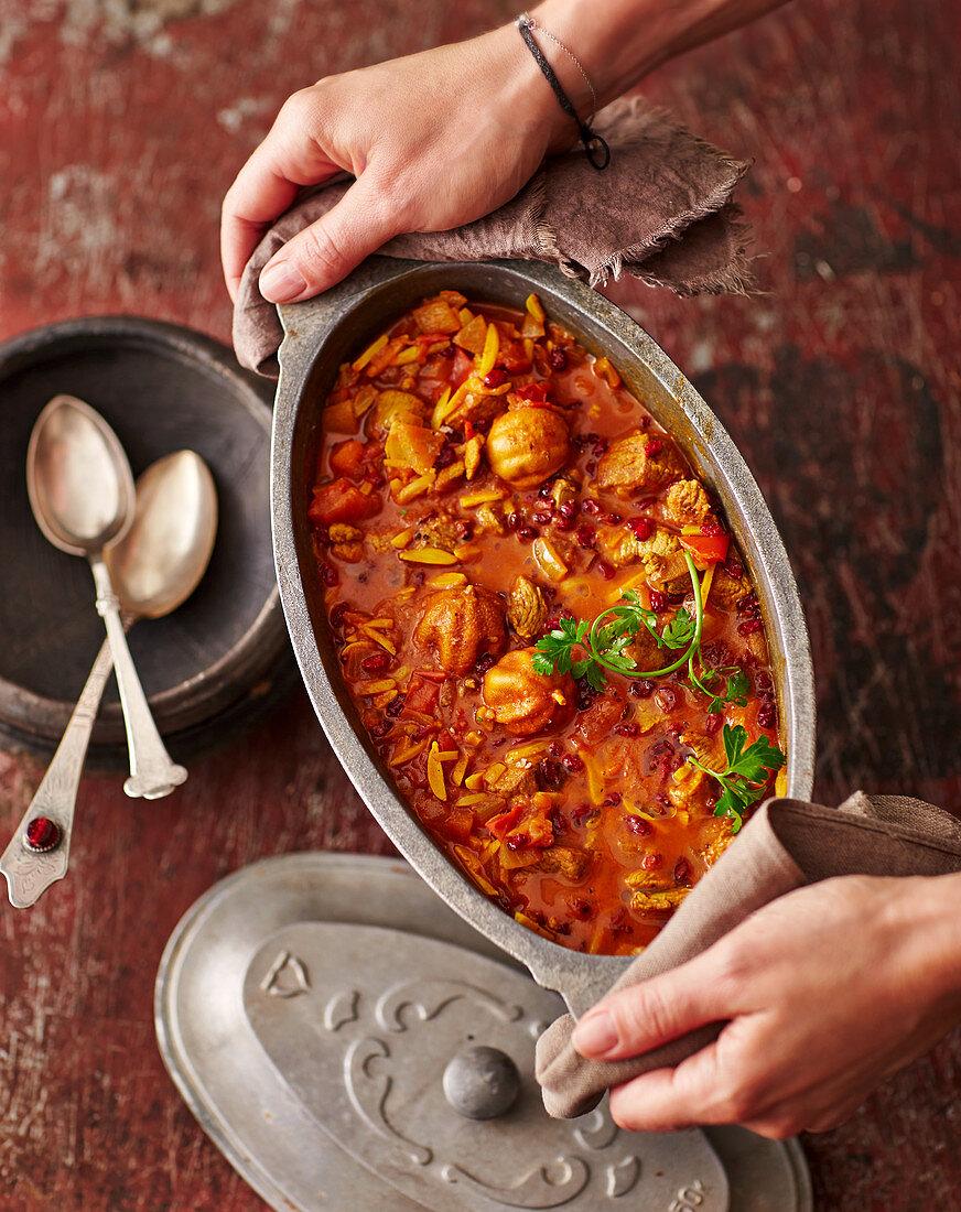 Koreshte Khalal – lamb sauce with almonds and barberries (Persia)