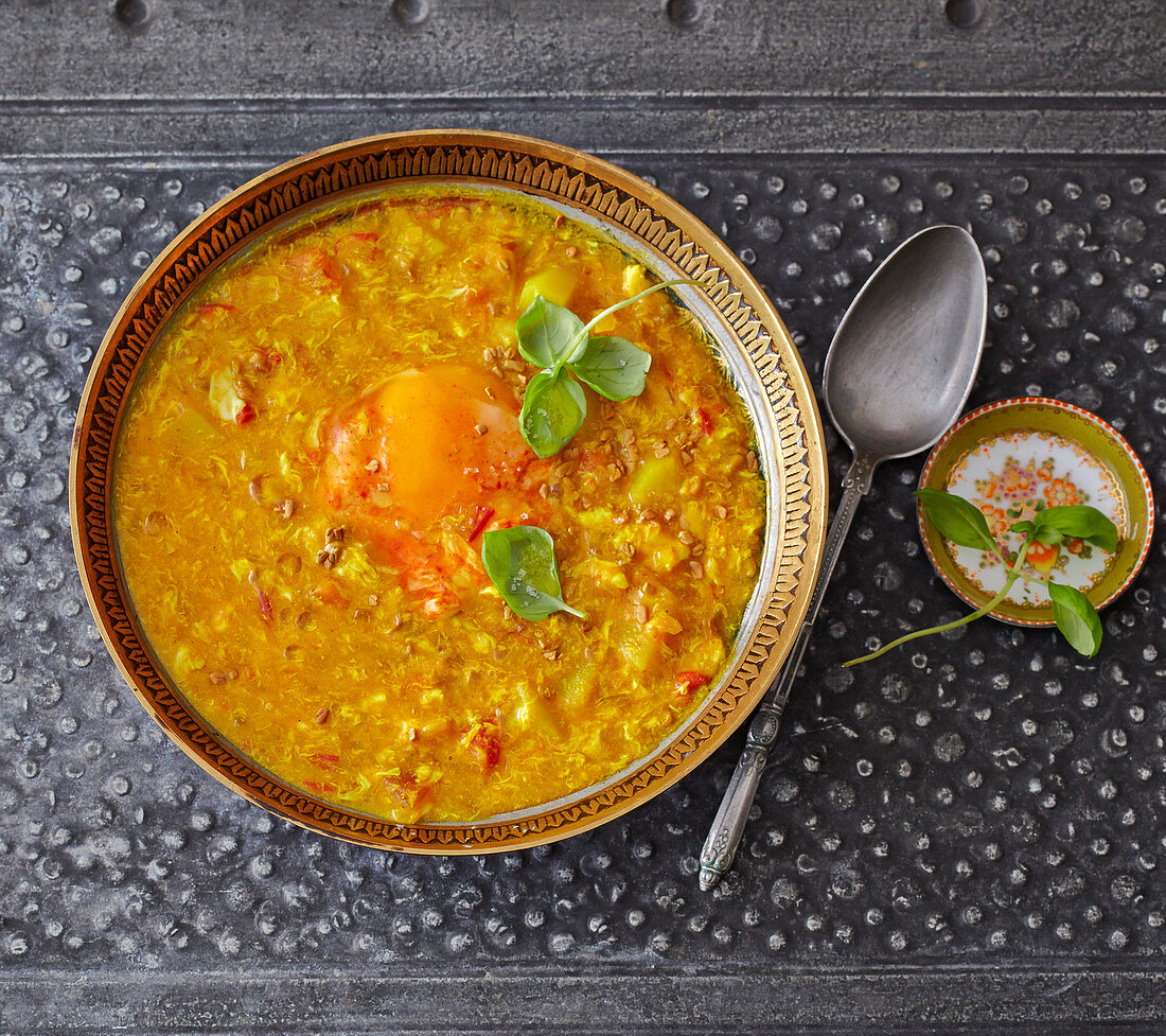 Eshkeneh – Persian fenugreek soup