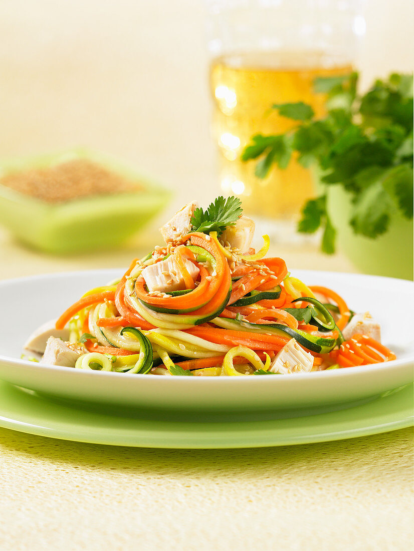 Spiralizer squash carrot noodles with chicken