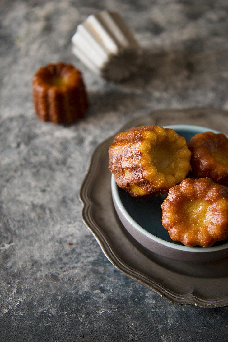 Canneles (mini cakes, France)