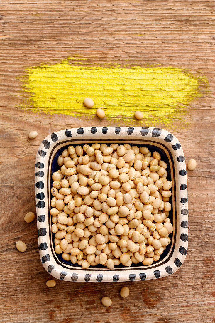 Soya beans in a ceramic bowl (seen from above)